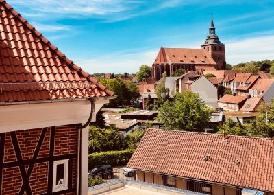 Ausblick auf Michaeliskirche vom Zimmer des Hotel Wyndberg